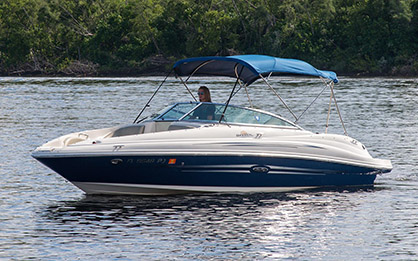 SeaRay Sundeck 21